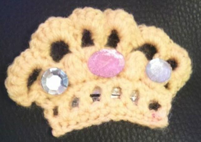 hand crochet crown hair clip £2.00