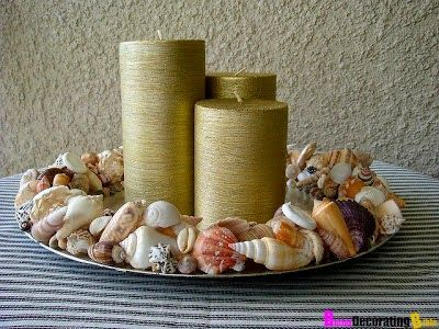 flikr-Suzy-q-better-decorating-bible-blog-ocean-inspired-sea-shell-décor-mirror-picture-frame-dresser-glue-gun-spray-paint-how-to-vase-flowers-candle-holder-diy-project-budget-friendly-stick-onto-table-.jpg (400×300)