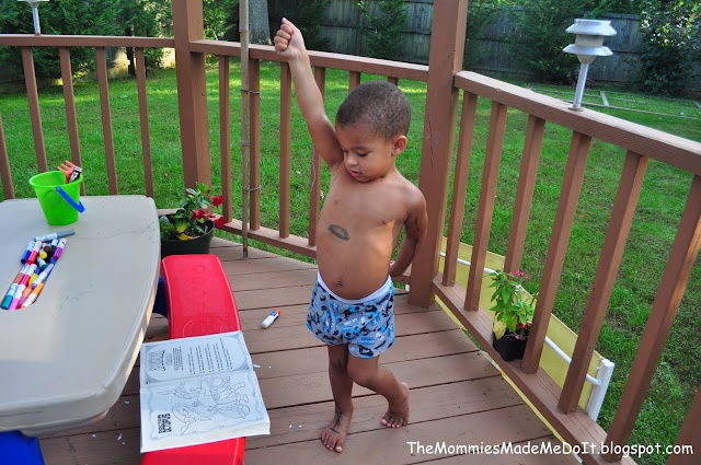 Kiddo's bored? Open up a coloring or comic book and do superhero poses :)Poses Kiddos Bored, Comics Book, Comic Books, Classroom Parties, Fun, Kids, Bloggers Network, Activities Ideas, Crafts