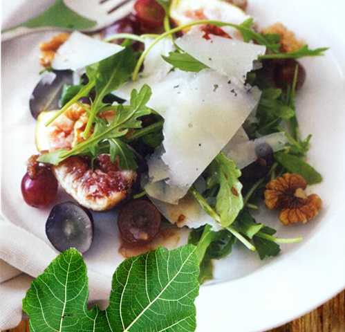fig salad with figs, Manchego cheese & walnuts with a ...
