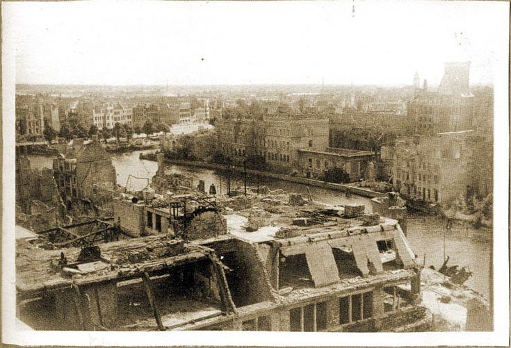 Foto: Панорама Альтштадта и Кнайпхофа. Кафедральный собор. 1947