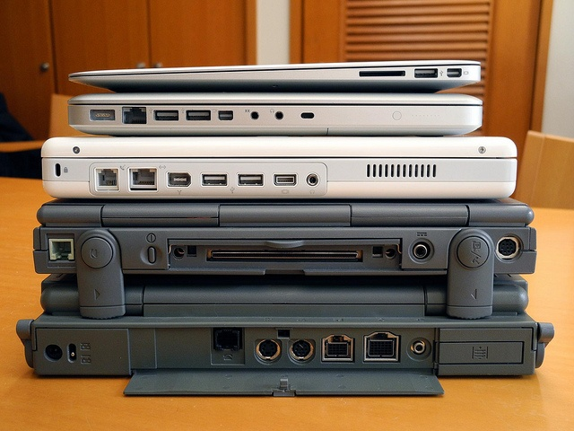 Apple Notebooks through the ages...