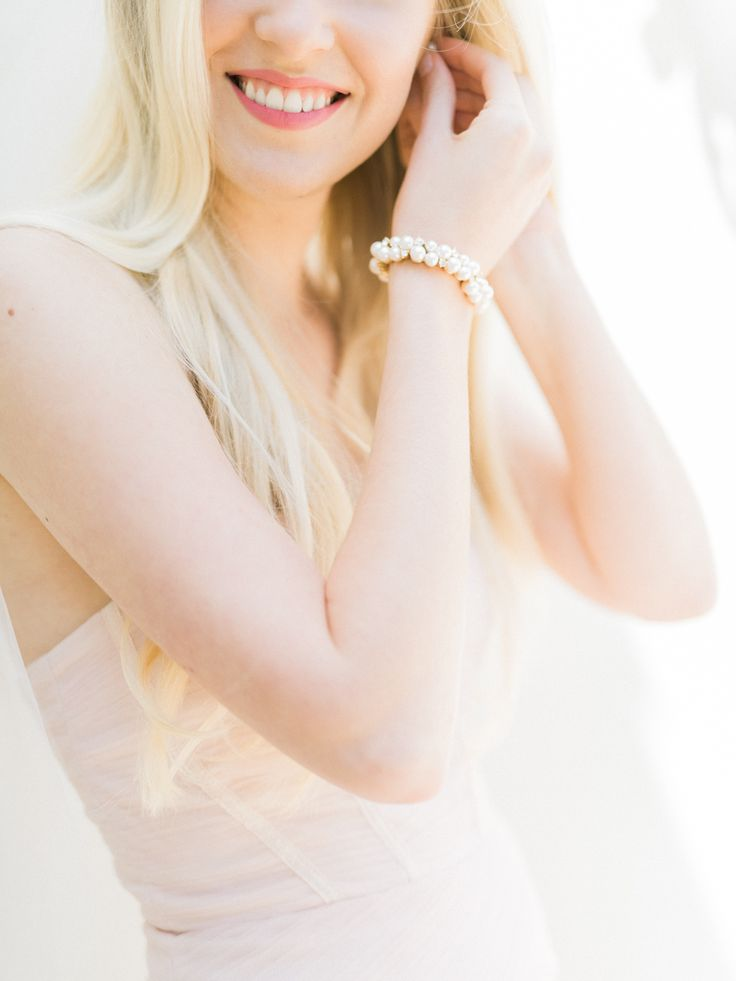 Shop the most beautiful bridal accessoires at: https://www.weddingdeco.nl/accessoires-bruiloft/bruidsaccessoires/ / Koop de allermooiste bruids accessoires hier: https://www.weddingdeco.nl/accessoires-bruiloft/bruidsaccessoires/
