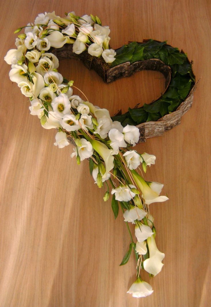 Open heart wreath More