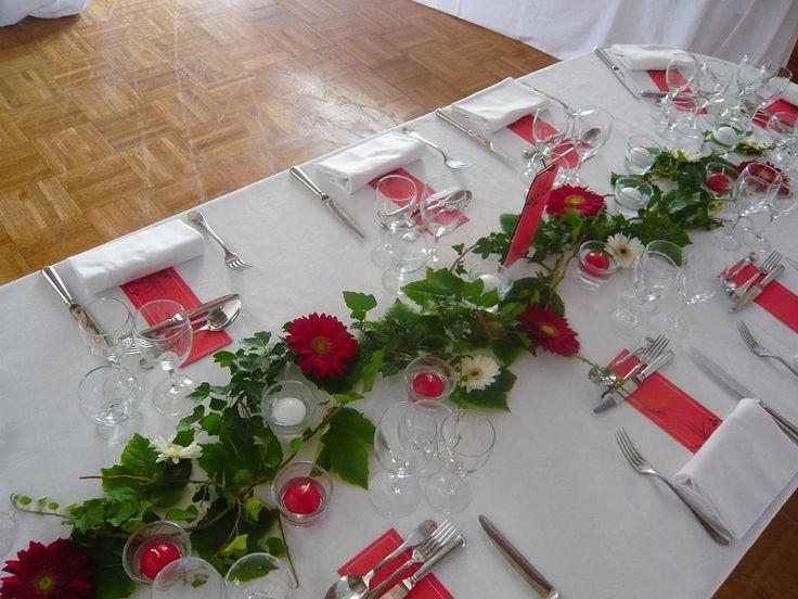Lierre rouge d co table pinterest tables rouge et for Set de table bordeaux