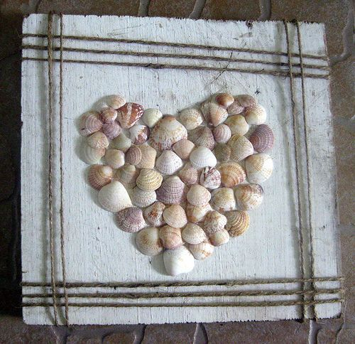 Crafts with Seashells: Crafts Ideas, Sea Shells, Diy Crafts, Art With Seashells, Diy Seashells Crafts, Seashells Heart, Seashells Diy, Shells Art, Shells Ideas