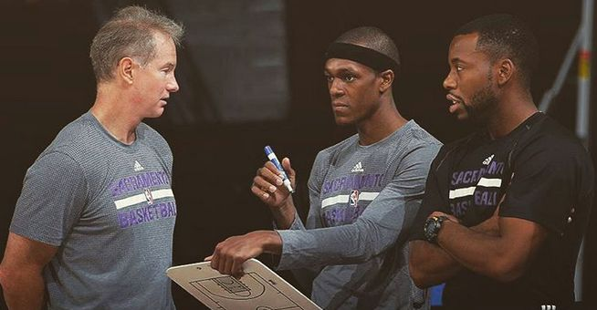 NBA Trade Rumors: Rajon Rondo Of Sacramento Kings Moves To Kobe Bryant's Or Carmelo Anthony's Team - http://www.movienewsguide.com/nba-trade-rumors-rajon-rondo-sacramento-kings-moves-kobe-bryants-carmelo-anthonys-team/181505