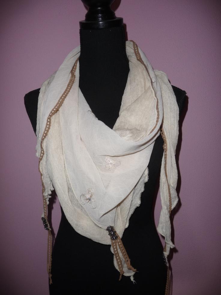 """019 homemade scarf with dutch """"zeeuwse knopen"""" / zelfgemaakte sjaal met """"zeeuwse knopen"""""""