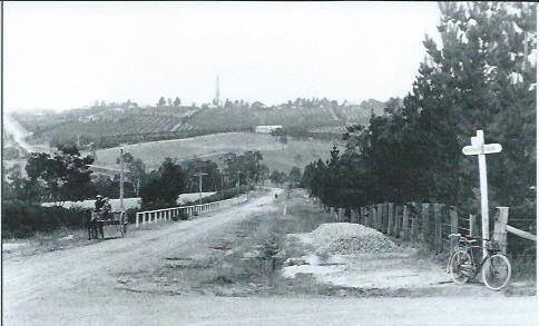 Station St, Box Hill, 1905 Looking both towards Doncaster