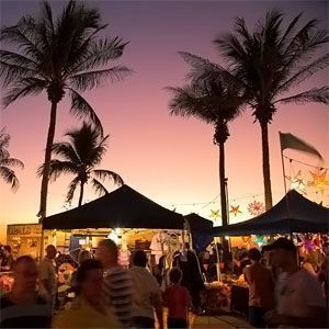 Mindil Beach Sunset Markets-Choose from up to 60 food stalls featuring cuisine from many cities