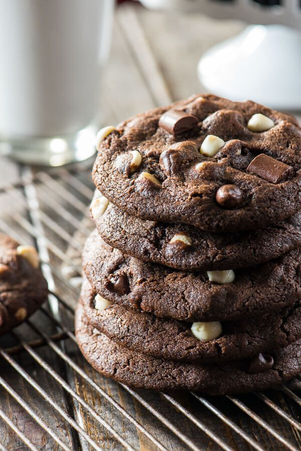 These super soft, extra chewy, totally over-sized Bakery Style Triple Chocolate Chip Cookies are about to become the new best friend to your glass of milk!