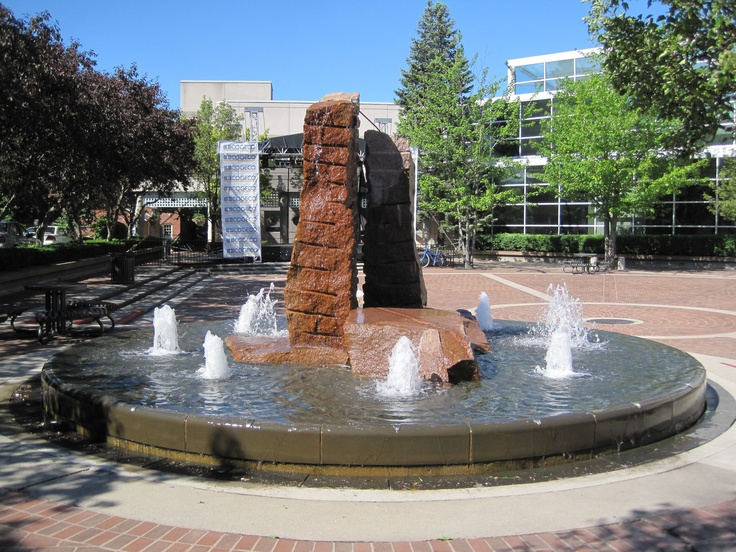 The #Fountain at City Hall in #Burlington, #Ontario is right next door to us!