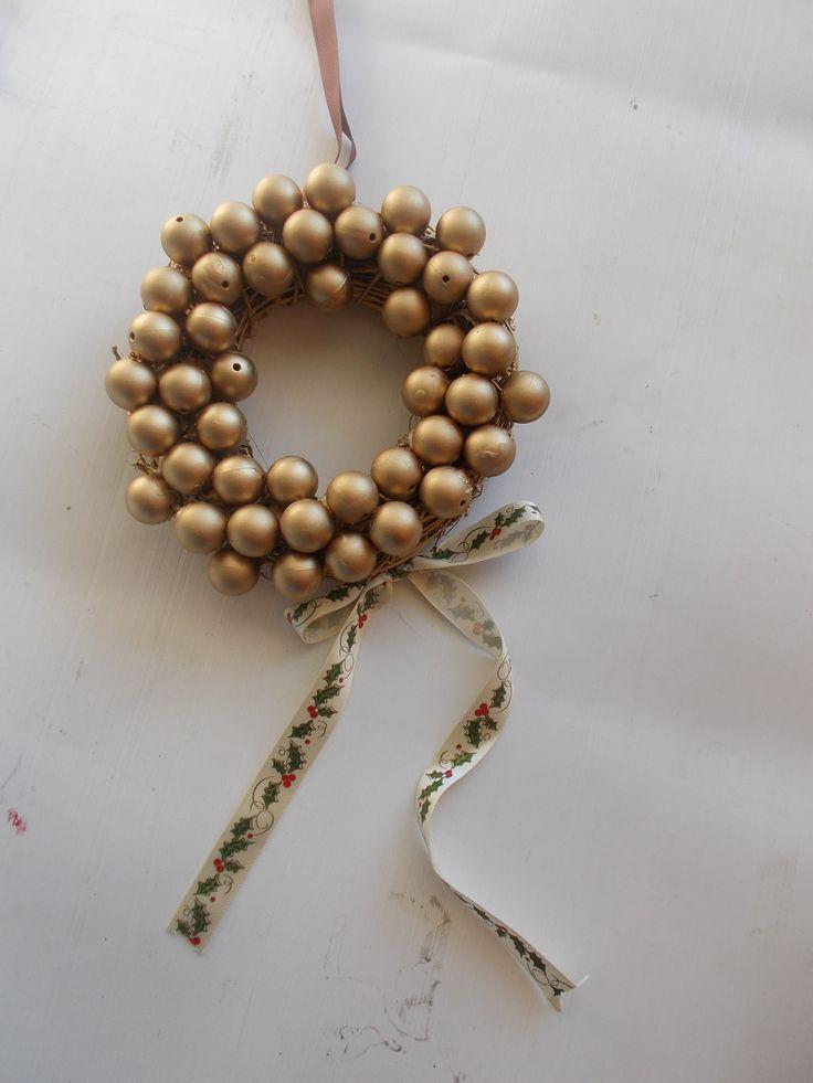 handmade golden wreath by mademeathens #christmaswreaths  #blackfriday