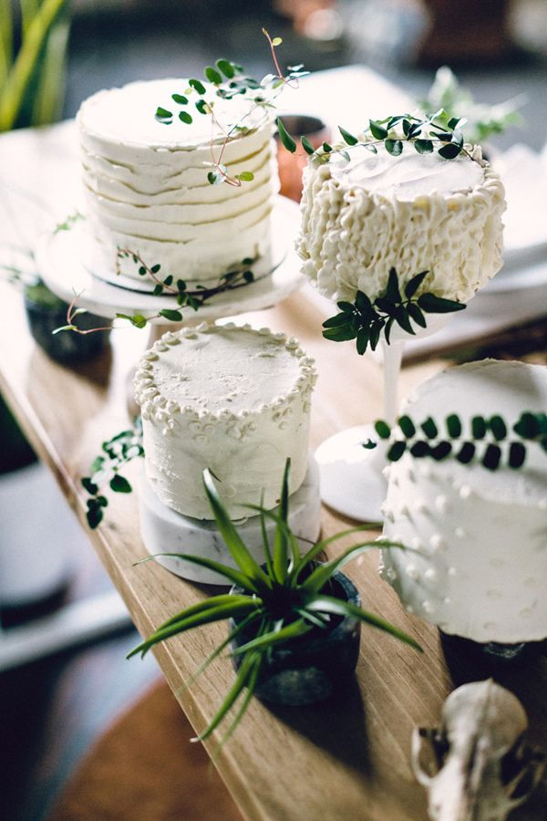 petite white wedding cakes - photo by Danfredo Photos + Film http://ruffledblog.com/nordic-industrial-wedding-inspiration #weddingcake #cake