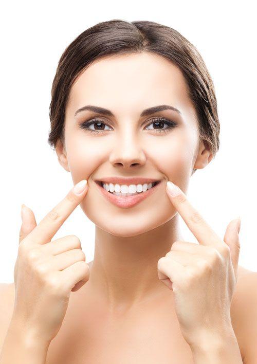 COME USARE BIOWHITE Puoi usare BioWhite® a casa, senza che sia necessario l'intervento del dentista.  - intingi lo spazzolino nella confezione - spazzola energicamente ogni angolo della bocca - lascia agire per qualche minuto - risciacqua e goditi il tuo sorriso più bianco Non dovrai usare ALTRI PRODOTTI, non dovrai fare COSE COMPLICATE. BioWhite® è facile da usare come il tuo normale dentifricio.