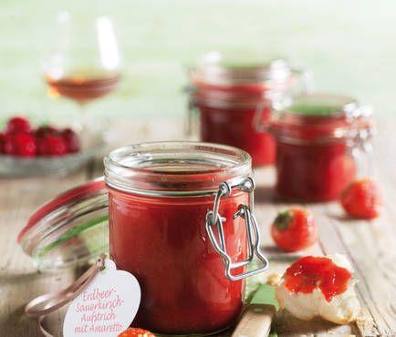 Erdbeer-Sauerkirsch-Aufstrich mit Amaretto