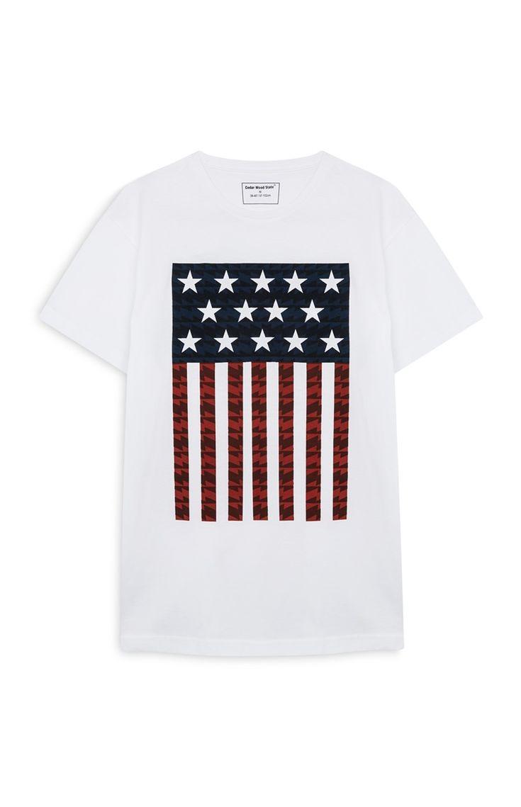 Camiseta blanca con bandera de EE. UU.