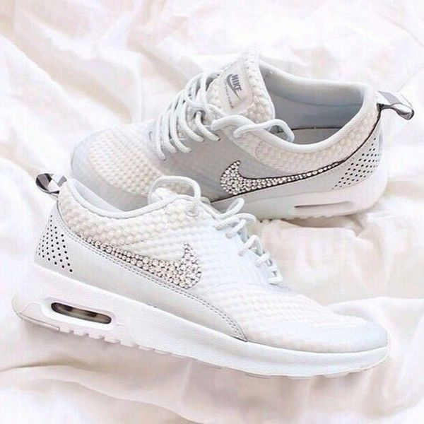 30 Pairs Of Nikes Every Girl Needs In 2016