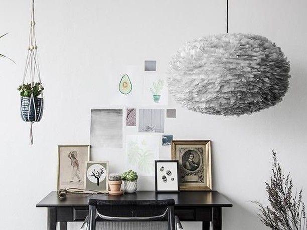 Arbetsro blir så mycket lättare att få till när man sitter i en trevlig miljö.   #inredningsinspo #inredning #inredningsdetaljer #hem #heminredning #skönahem #nordiskahem #nordichome #nordicdesign #sovrum #interiors #interiordesign #interior #interiör #scandinaviandesign #scandinavianhome #nordicinspiration #design #interiorstyling #interiorstyle #home #inredningsdesign #inredningsdetalj #vitacopenhagen #belysning #lighting #fjäderlampa #homedecor #lampor