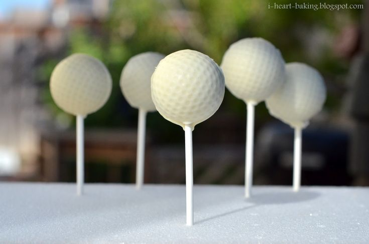 golf ball cake pop tutorial - wonder if I can make these silver and sparkley for @b_marsh3 birthday?