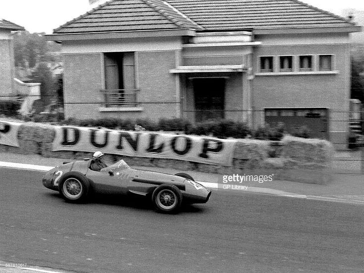 24 best brm 1956 1958 images on pinterest grand prix for Garage automobile pau