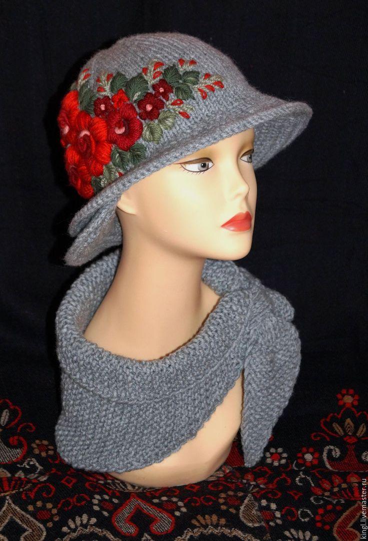 Купить Комплект из шляпки и бактуса с ручной вышивкой Гранатовый - шляпа женская, вязаная шапочка