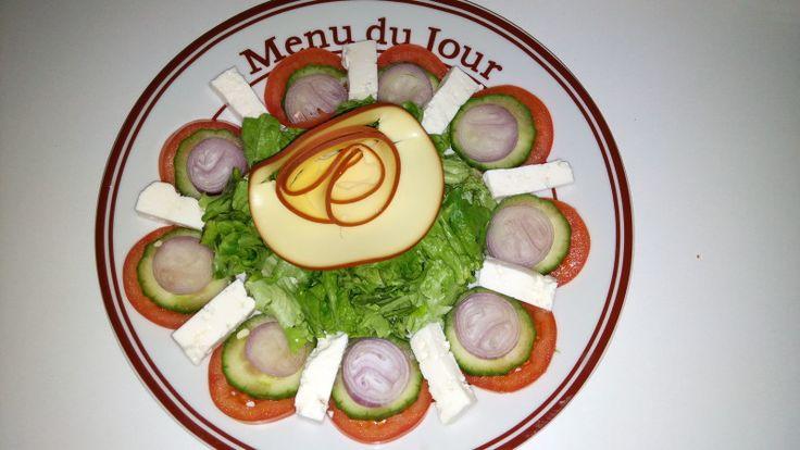 Dieta Rina-Ziua 46-Proteine – Andreea's Blog – My New Blog – Astazi nu am avut chef de nimic,a revenit durerea de stomac si am stat mai mult in pat…cred ca o sa fac o vizita la medic sa vad care e problema cu stomacul meu,oare e de la dieta? am observat ca la ziua de proteine si la ziua de carbo ma doare stomacul… Mic Dejun: mix de nuci si... #dietarina #meniurinaproteine #proteine