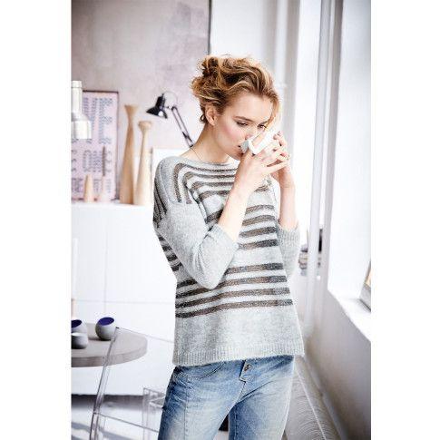 Lässiger, kastig geschnittener Pullover aus leichter, flauschiger Garnmischung. #impressionen #fashion