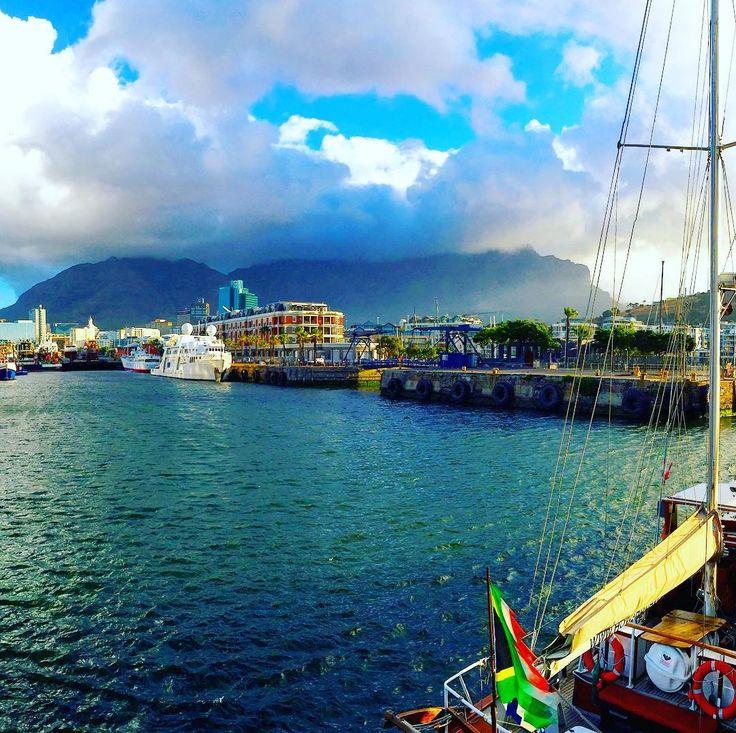 Port/Kikötő #fivesneakers #wecollectmemories