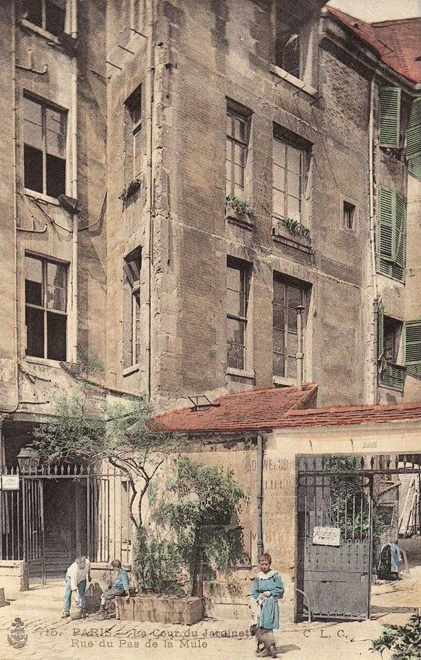 Paris III - Rue du Pas de la Mule