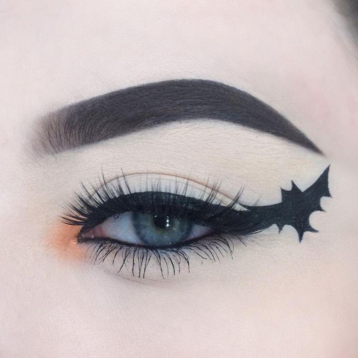 "1,442 Likes, 31 Comments - alice (@alicekingmakeup) on Instagram: ""FIRST HALLOWEEN LOOK! Bat 'wing' liner ;) - @anastasiabeverlyhills dip brow pomade in dark brown -…"""