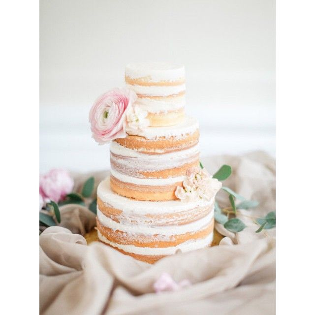 so gorgeous #nakedcake! #wedding #reception #weddingcake | via Style me Pretty - Photography: artiesestudios | Cake: sweetbakeshop