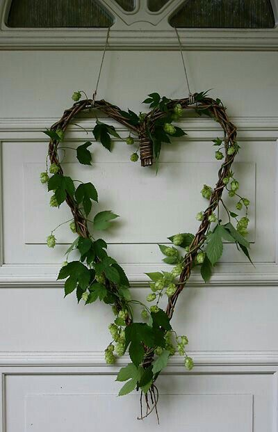 Green Cottage Charm... Heart of vines & foliage