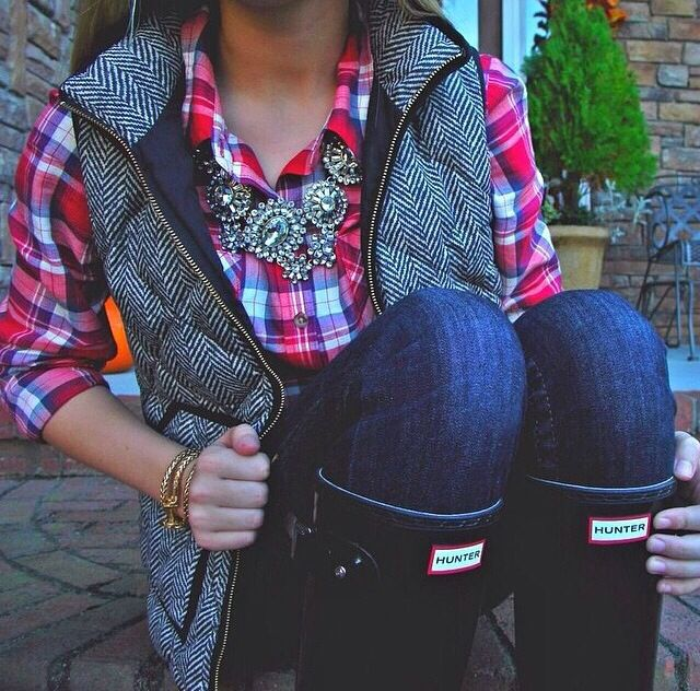 Hunter boots, flannel and vest! Yes please!