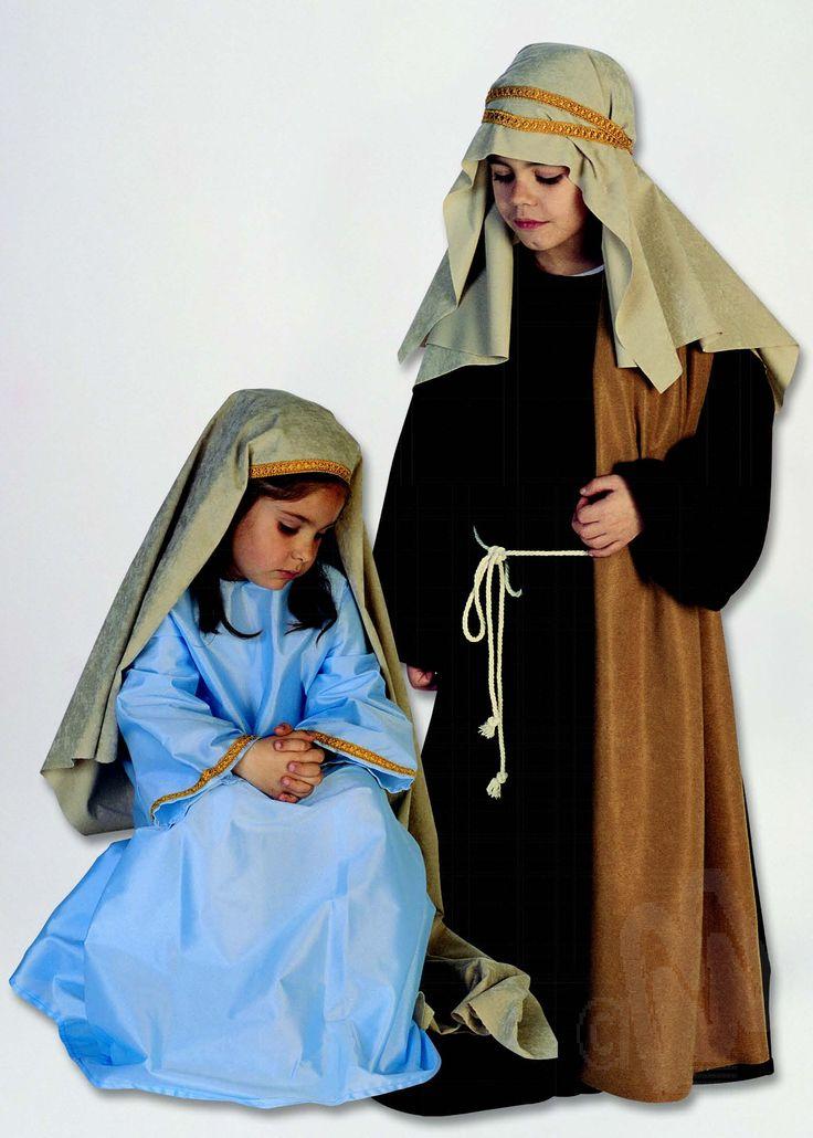 Disfraz San José infantil. Incluye manto, cabeza con cinta de adorno, túnica, cordón y tela hombro. Perfecto para representaciones navideñas.Buena calidad. Disponible para 6, 8 y 10 años.