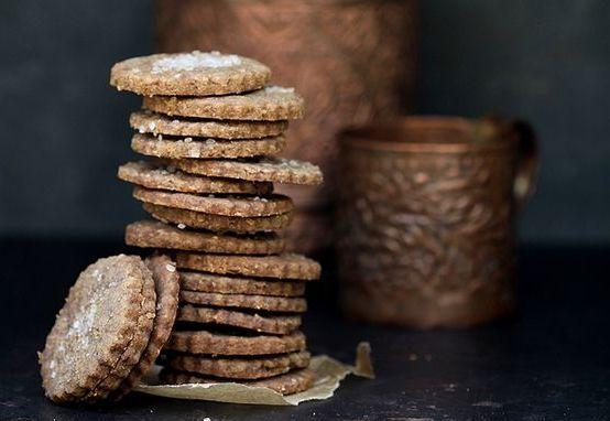 Ecco come preparare in poche mosse dei deliziosi e profumati biscotti alla cannella e miele