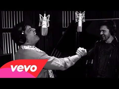 Juanes hermoso, Juan Gabriel impresionante y los coros de lujo