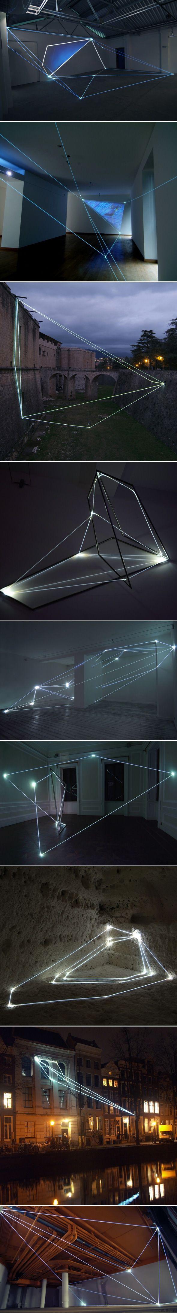 Installations en fibre optique par Carlo Bernardini