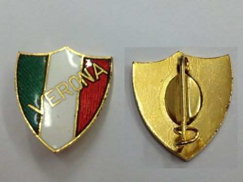DISTINTIVO CALCIO PIN BADGE VERONA FOOTBALL