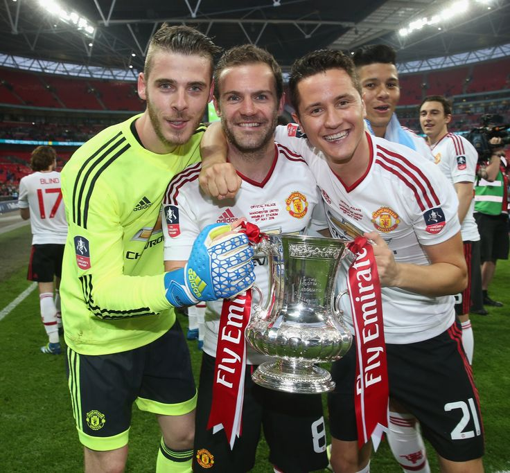 Juan Mata celebrates @manutd's 2016 FA Cup win with fellow Spaniards David De Gea and Ander Herrera.