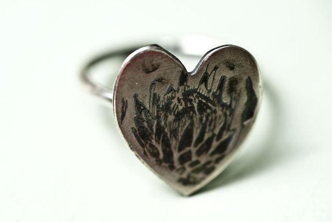 Sterling Silver protea Heart Ring by Natasha Wood Jewellery on Hello Pretty, at @Kamee Openshaw Chapman vol geskenke