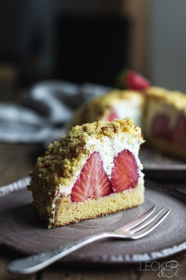 White Mole Cake Erdbeeren Weiße Schokolade Eierlikör Quark Sahne Sommer …   – Rezepte: Kuchen & Torten