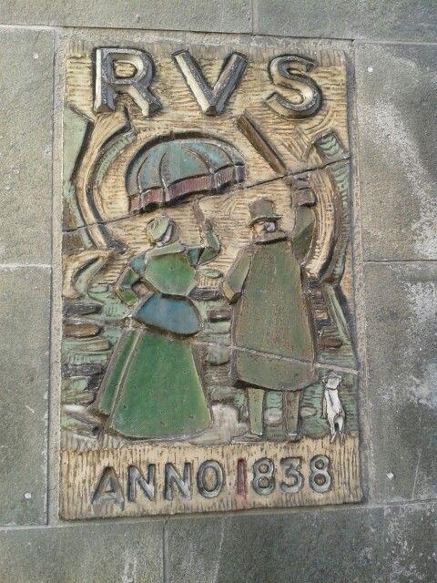 Oude plaquette van de RVS aan de Jansbuitensingel in Arnhem. Pin door Arnhem Info.