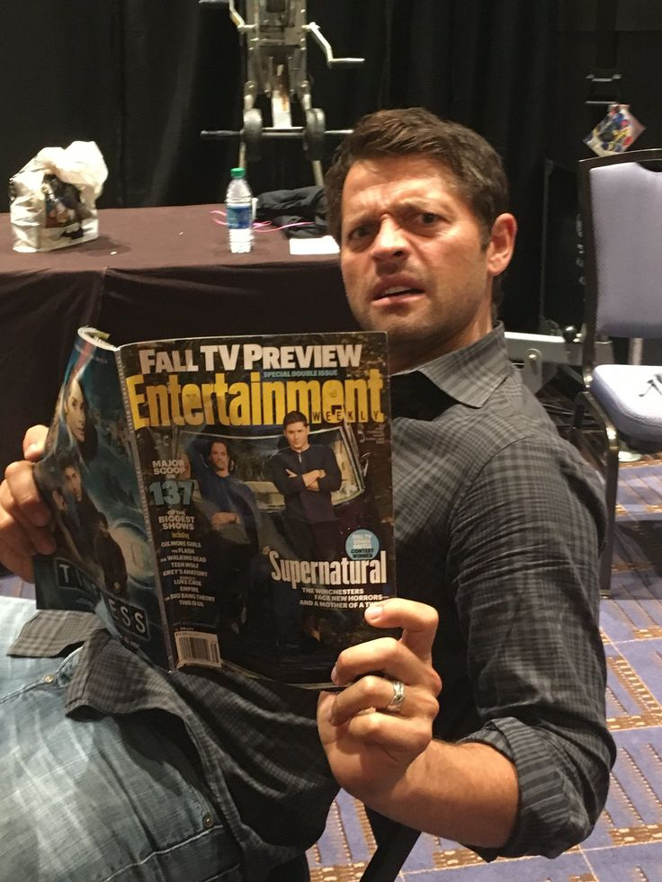 Misha on twitter : Magazines have grown so indecent! The new issue of @EW is pure pornography! (Thanks, #SPNFamily.) #SupernaturalDay