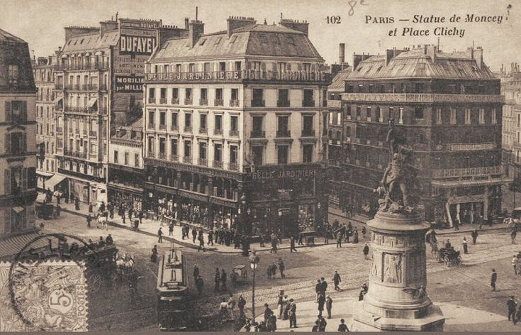 Vue aérienne de la place de Clichy, vers 1910.