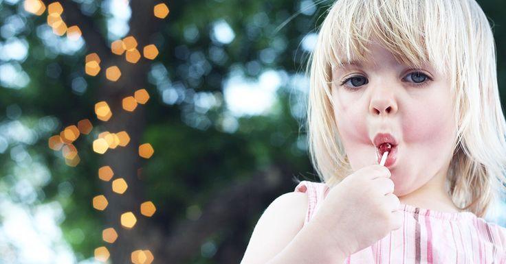 Przeczytaj: 10 przepisów na fenomenalne, domowe słodkości na największym blogu rodzicielskim w Polsce - dziecisawazne.pl