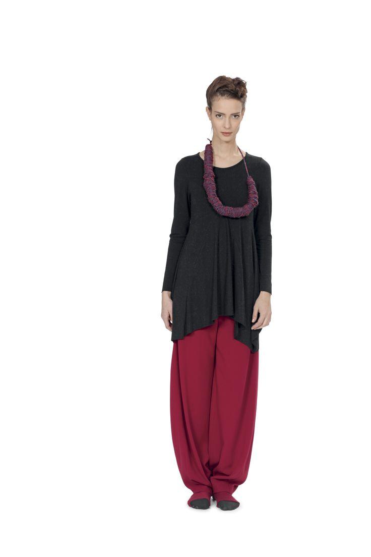 T-shirt M13IT055 1375 http://www.martinomidali.com/store/it/t-shirt-and-top/t-shirt-lunga.html Pantaloni M13IT052 2091