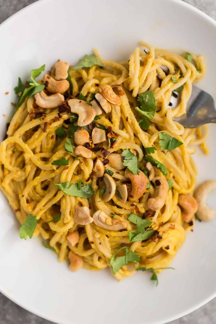 Cashew Carrot Ginger Noodles | Naturally Ella