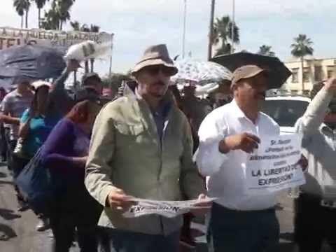 Se unen sindicatos de la Unison en manifestación por las calles de Hermosillo