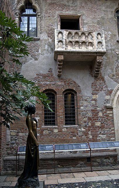 Romeo & Juliet balcony & Juliet Statue; Verona, Italy